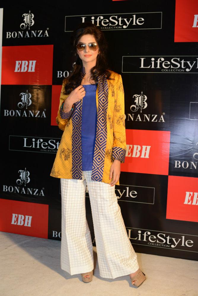 384189915b1 Sana Khan wearing a sunglass from Burberry Gold Folding Aviator   outfit by Sania  Maskatiya-w1000-h1000